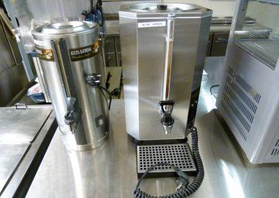 Kahvisäiliöt lämpövastuksella 5- ja 10-litraa