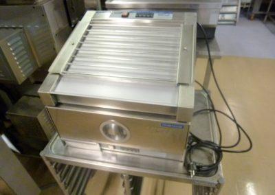 Makkararolleri + lämpölaatikko sämpylöille